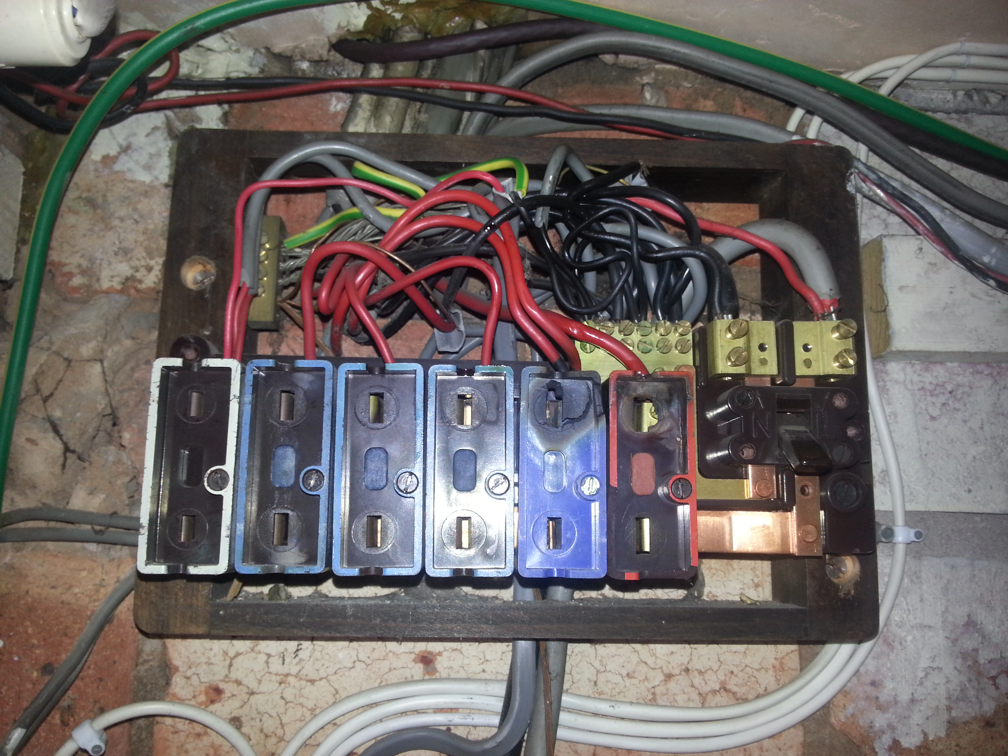electrical fuse boards - photo #41